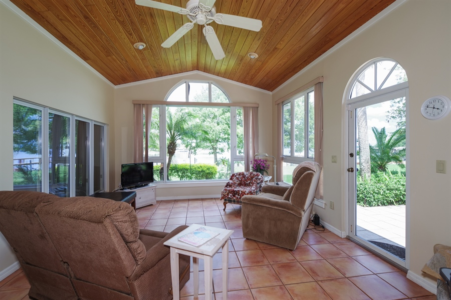 Real Estate Photography - 7001 Lake Drive, Belle Isle, FL, 32809 - Sun Room