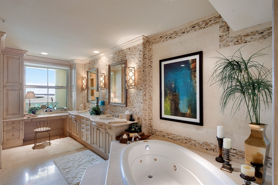 Real Estate Photography - 960 Cape Marco Dr, Unit 1504, Marco Island, FL, 34145 - Master Bathroom