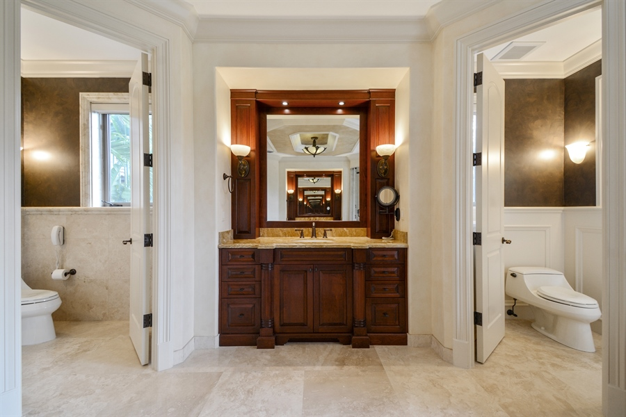 Real Estate Photography - 2584 Lucille Drive, Fort Lauderdale, FL, 33316 - Master Bathroom