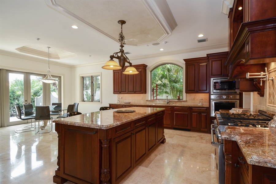 Real Estate Photography - 2584 Lucille Drive, Fort Lauderdale, FL, 33316 - Kitchen / Breakfast Room