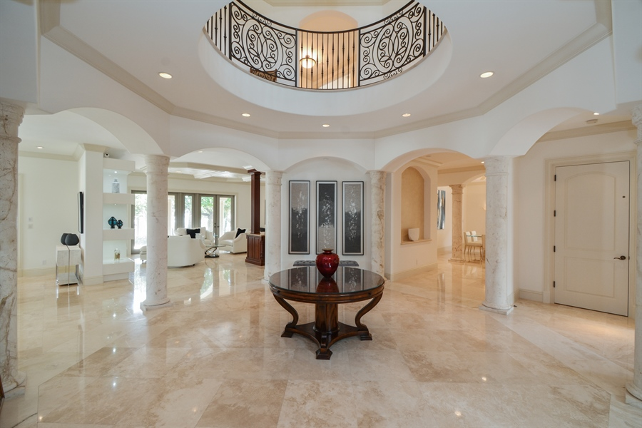 Real Estate Photography - 2584 Lucille Drive, Fort Lauderdale, FL, 33316 - Rotunda Foyer