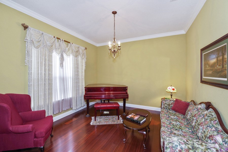 Real Estate Photography - 8211 Stone Mason Ct., Windermere, FL, 34786 - Living Room