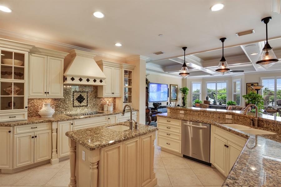 Real Estate Photography - 1508 Outrigger Landing, 1-310, Jensen Beach, FL, 34957 - Kitchen