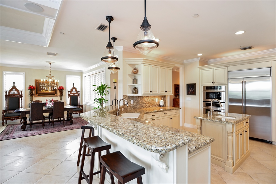 Real Estate Photography - 1508 Outrigger Landing, 1-310, Jensen Beach, FL, 34957 - Kitchen / Dining Room