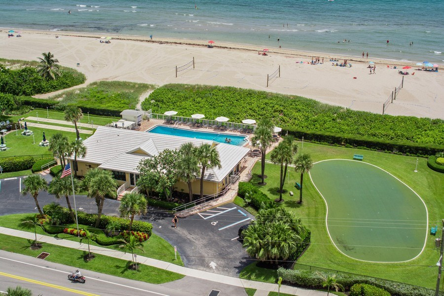 Real Estate Photography - Tiara East Condos, 333 NE 21st Ave #1802, Deerfield Beach, FL, 33441 - Clubhouse