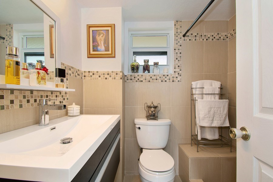 Real Estate Photography - Tiara East Condos, 333 NE 21st Ave #1802, Deerfield Beach, FL, 33441 - Master Bathroom