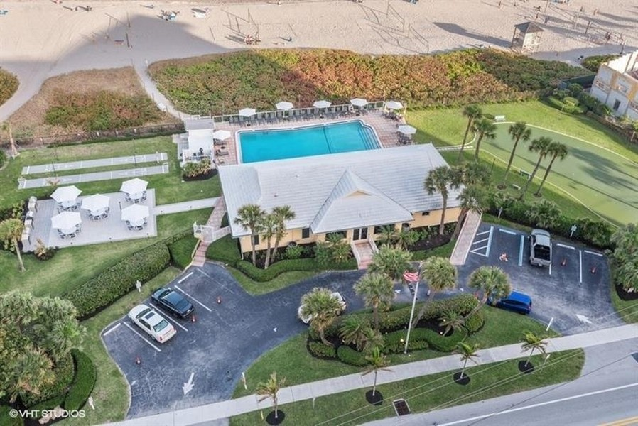 Real Estate Photography - Tiara East Condos, 333 NE 21st Ave #1802, Deerfield Beach, FL, 33441 -