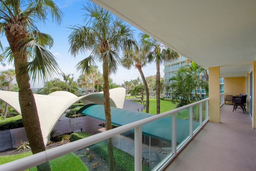 Real Estate Photography - Tiara East Condos333 NE 21st Ave., #310, Deerfield Beach, FL, 33441 - Balcony