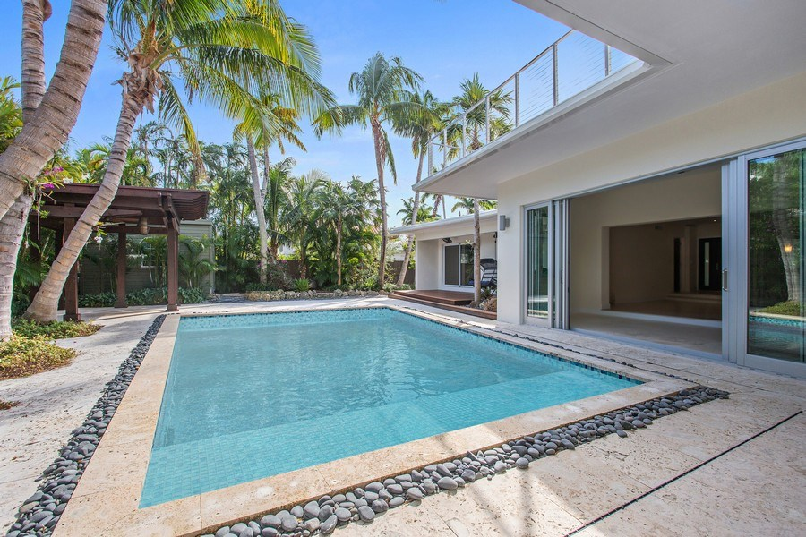 Real Estate Photography - 335 Pacific Rd., Key Biscayne, FL, 33149 - Pool