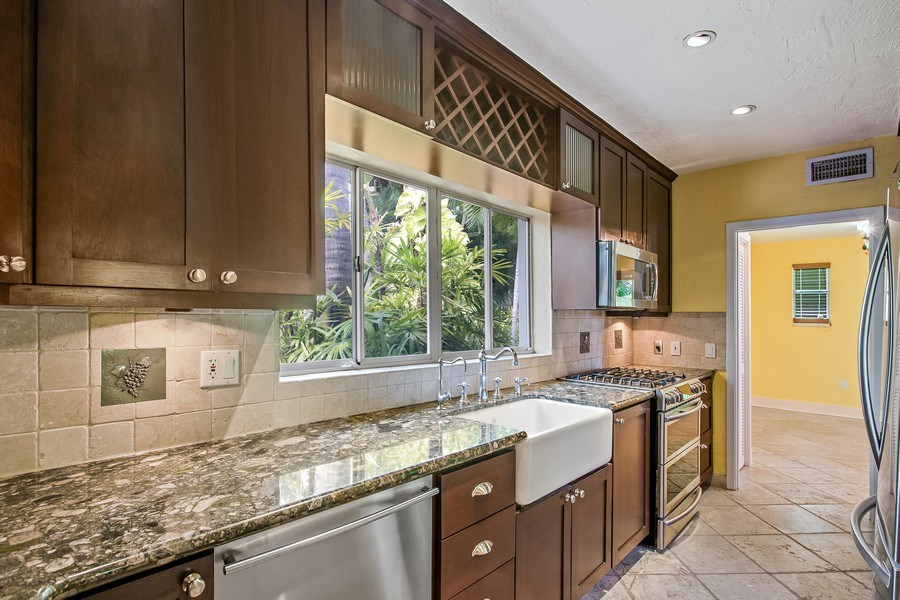 Real Estate Photography - 335 Pacific Rd., Key Biscayne, FL, 33149 - Kitchen