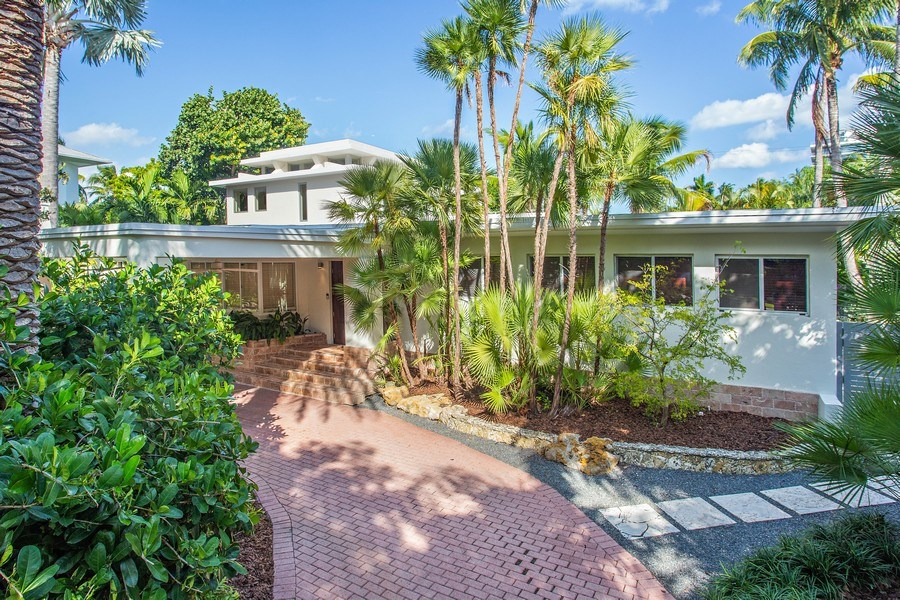 Real Estate Photography - 335 Pacific Rd., Key Biscayne, FL, 33149 - Front View