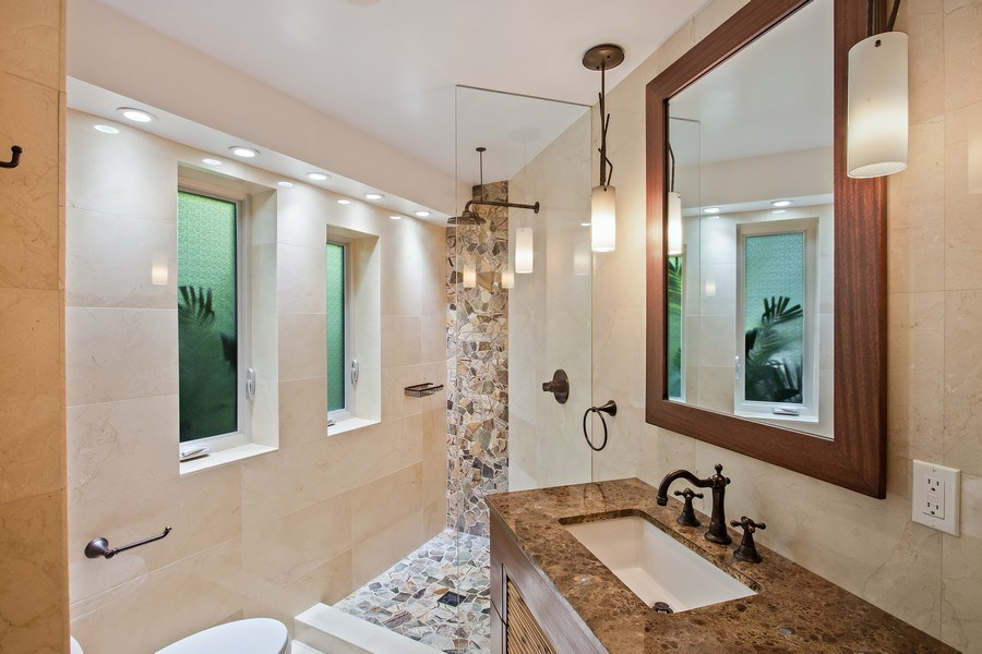 Real Estate Photography - 335 Pacific Rd., Key Biscayne, FL, 33149 - Bathroom