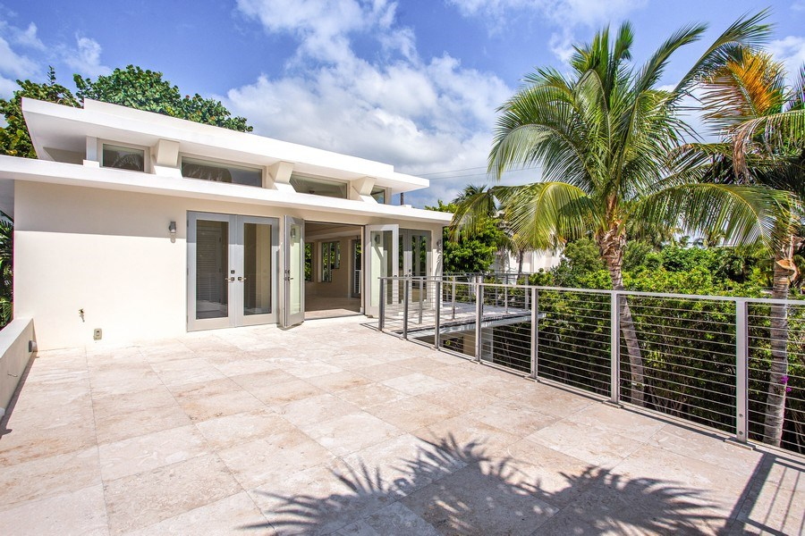 Real Estate Photography - 335 Pacific Rd., Key Biscayne, FL, 33149 - Balcony
