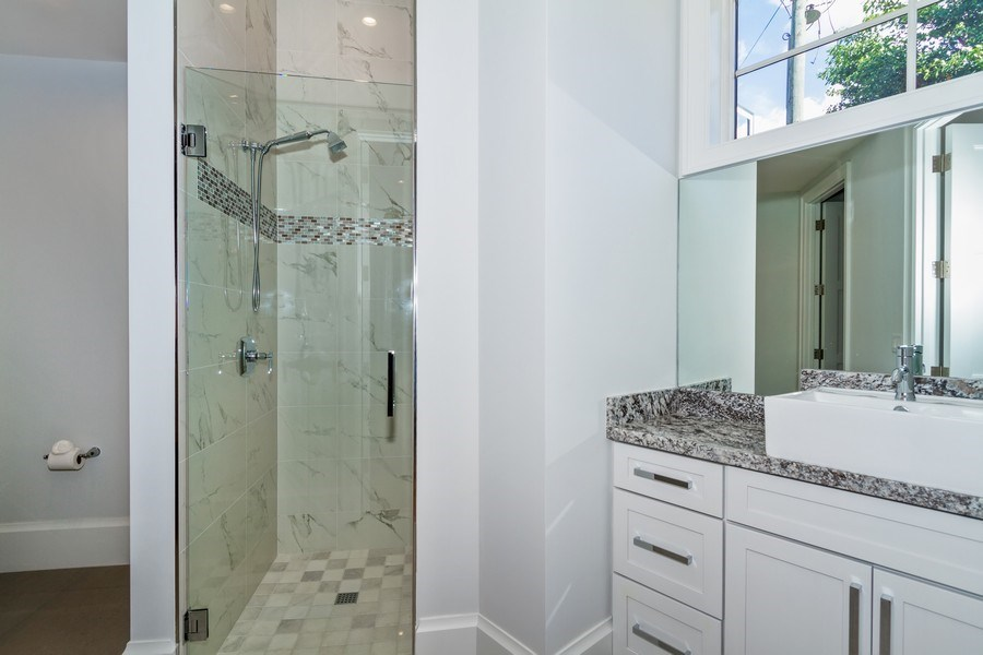Real Estate Photography - 718 Springline Dr., Naples, FL, 34102 - 2nd Bathroom
