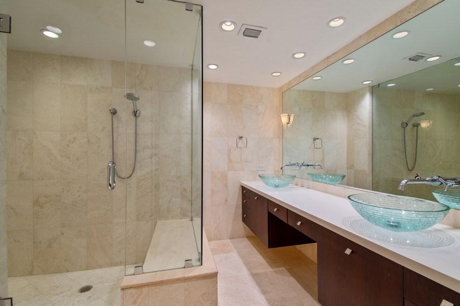 Real Estate Photography - 19667 Turnberry Way, Aventura, FL, 33180 - Master Bathroom