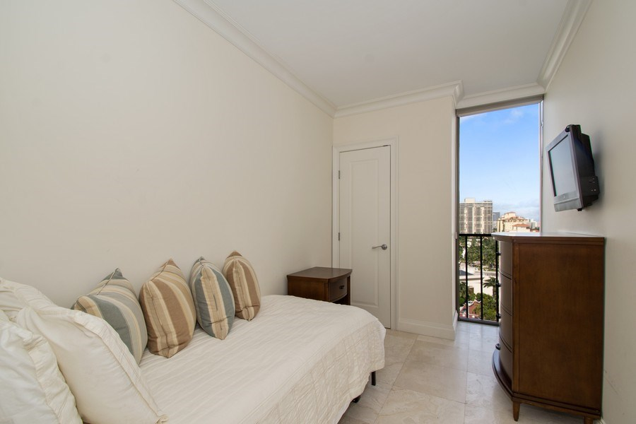 Real Estate Photography - 19667 Turnberry Way, Aventura, FL, 33180 - 2nd Bedroom