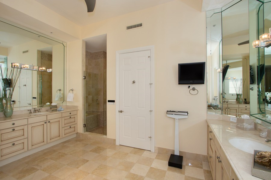 Real Estate Photography - 14270 Royal Harbour Ct., 1122, Fort Myers, FL, 33908 - Master Bathroom