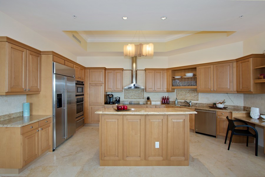 Real Estate Photography - 14270 Royal Harbour Ct., 1122, Fort Myers, FL, 33908 - Kitchen