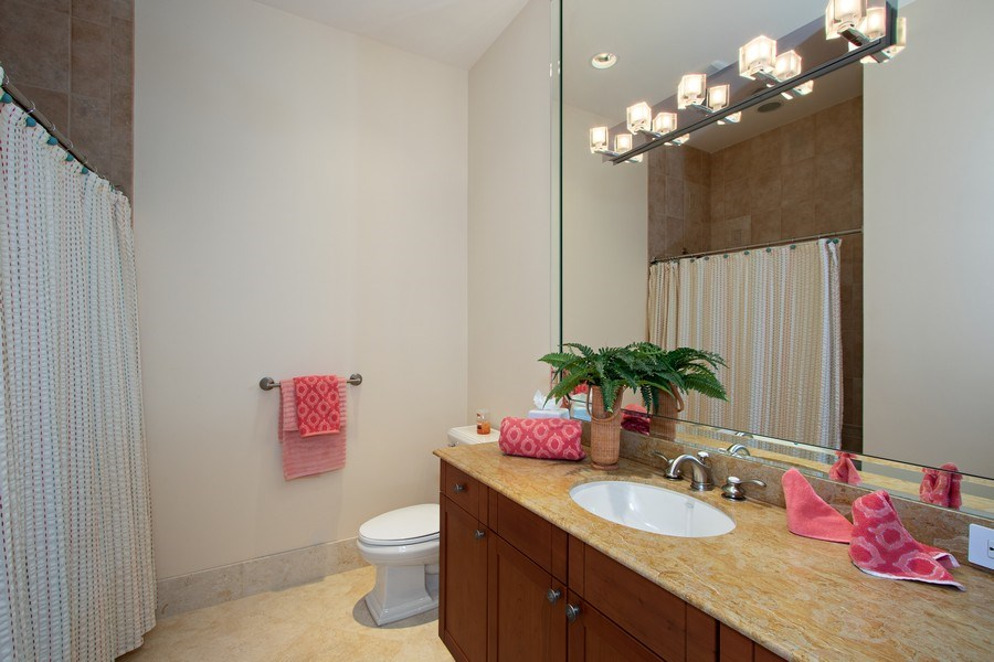 Real Estate Photography - 14270 Royal Harbour Ct., 1122, Fort Myers, FL, 33908 - 2nd Bathroom