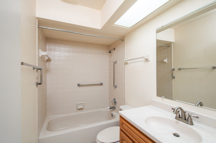 Real Estate Photography - 3931 NW 29 lane, Gainesville, FL, 32607 - Master Bathroom