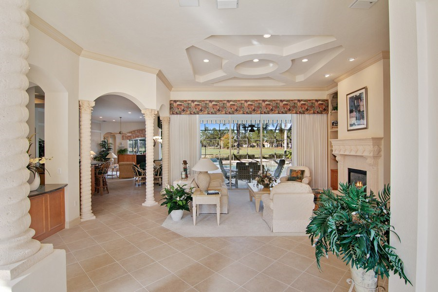 Real Estate Photography - 7147 Beechmont Ter, Lakewood Ranch, FL, 34202 - Foyer/Living Room
