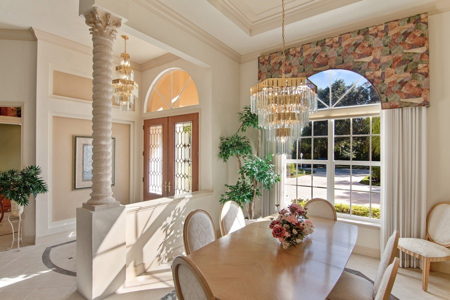 Real Estate Photography - 7147 Beechmont Ter, Lakewood Ranch, FL, 34202 - Foyer/Dining Room