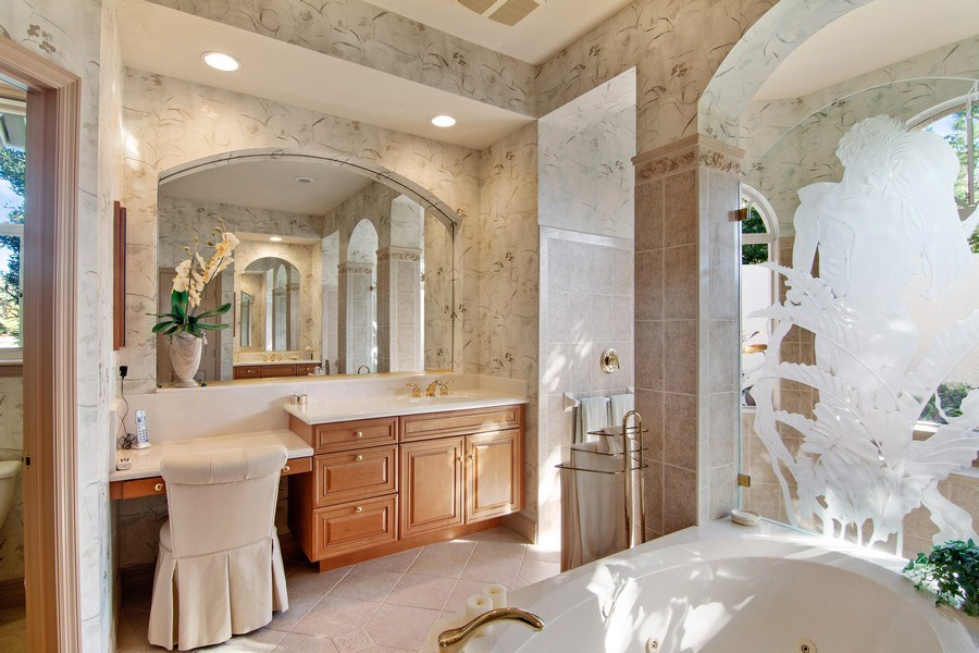 Real Estate Photography - 7147 Beechmont Ter, Lakewood Ranch, FL, 34202 - Master Bathroom