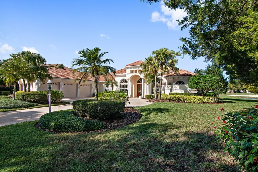 Real Estate Photography - 7147 Beechmont Ter, Lakewood Ranch, FL, 34202 - Front View