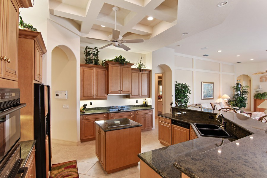 Real Estate Photography - 7147 Beechmont Ter, Lakewood Ranch, FL, 34202 - Kitchen