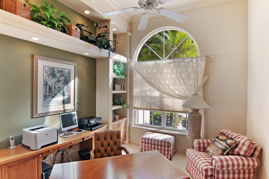 Real Estate Photography - 7147 Beechmont Ter, Lakewood Ranch, FL, 34202 - Office
