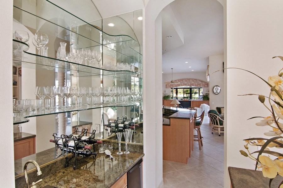 Real Estate Photography - 7147 Beechmont Ter, Lakewood Ranch, FL, 34202 - Bar