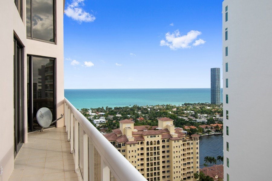 Real Estate Photography - 20185 E. Country Club Drive, TS 5, Aventura, FL, 33180 - Balcony