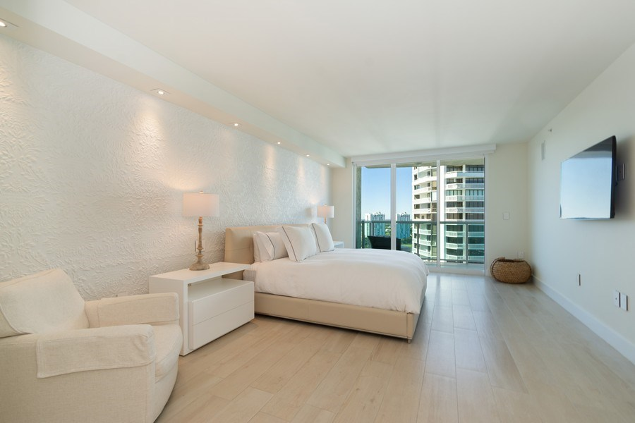 Real Estate Photography - 20201 E. Country Club Dr., 2304, Aventura, FL, 33180 - Master Bedroom