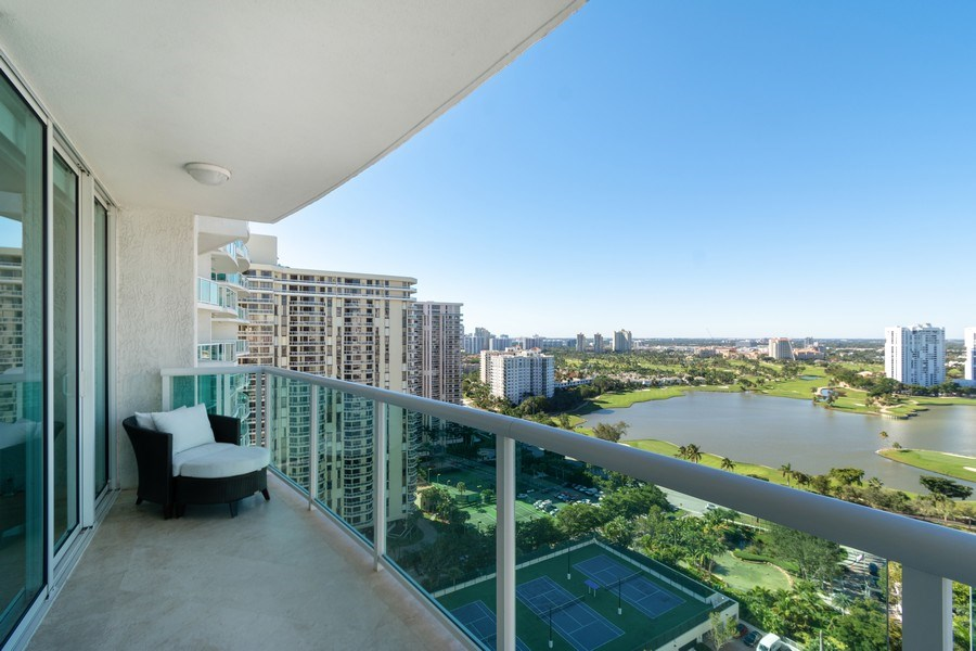Real Estate Photography - 20201 E. Country Club Dr., 2304, Aventura, FL, 33180 - View