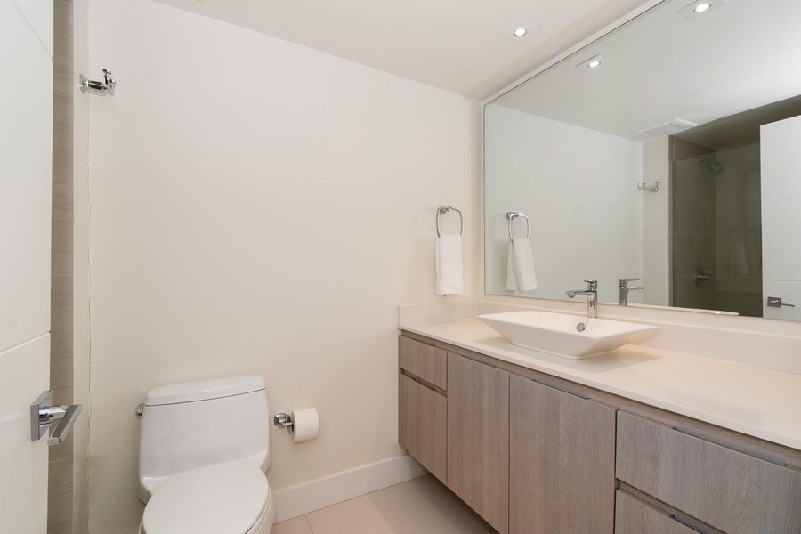 Real Estate Photography - 20201 E. Country Club Dr., 2304, Aventura, FL, 33180 - Bathroom