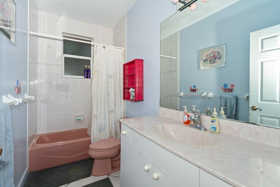 Real Estate Photography - 5180 Mahogany Ridge Drive, Naples, FL, 34119 - 2nd Bathroom