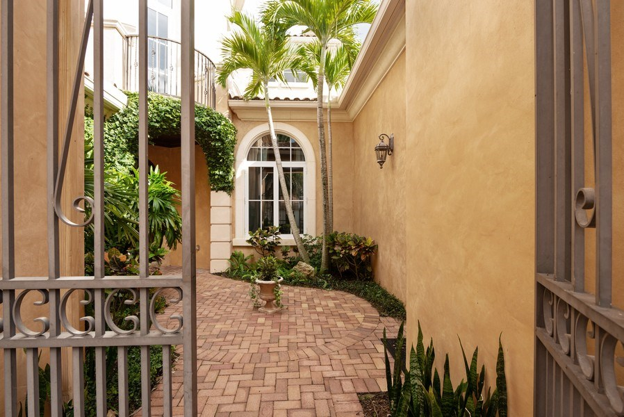 Real Estate Photography - 203 SE Bella Strano, Port St. Lucie, FL, 34984 - Entrance
