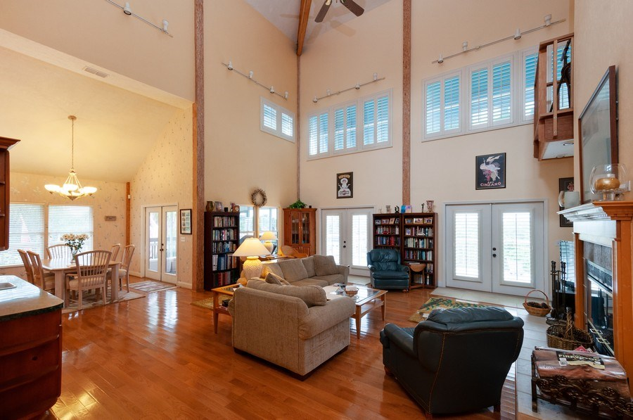 Real Estate Photography - 16351 Whiddon Avenue, Cedar Key, FL, 32625 - Family Room
