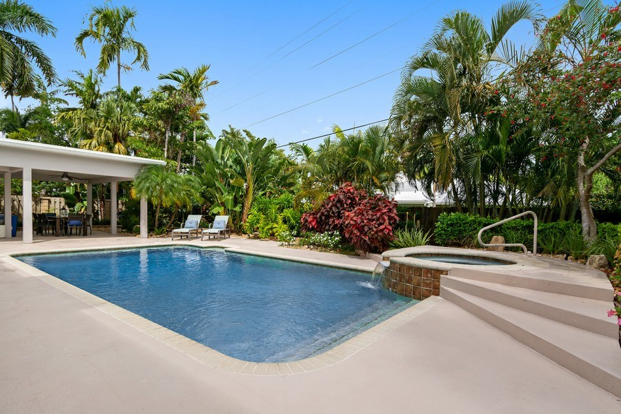 Real Estate Photography - 2659 NE 35th Drive, Fort Lauderdale, FL, 33308 - Pool