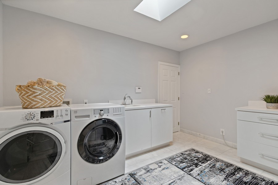 Real Estate Photography - 2659 NE 35th Drive, Fort Lauderdale, FL, 33308 - Laundry Room