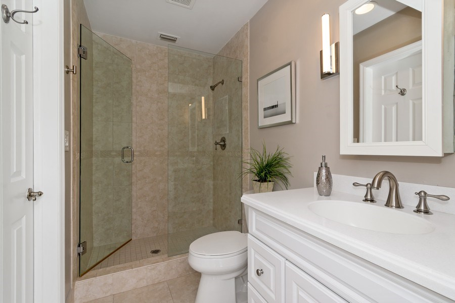 Real Estate Photography - 2659 NE 35th Drive, Fort Lauderdale, FL, 33308 - 2nd Bathroom