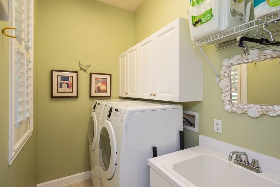 Real Estate Photography - 440 40th Sq SW, Vero Beach, FL, 32968 - Laundry Room