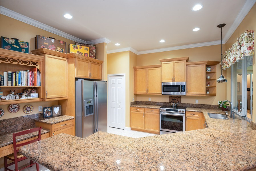 Real Estate Photography - 440 40th Sq SW, Vero Beach, FL, 32968 - Kitchen
