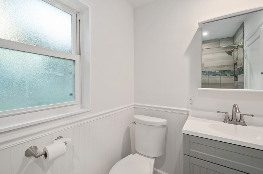 Real Estate Photography - 14404 NW 145 Terrace, Alachua, FL, 32615 - Bathroom