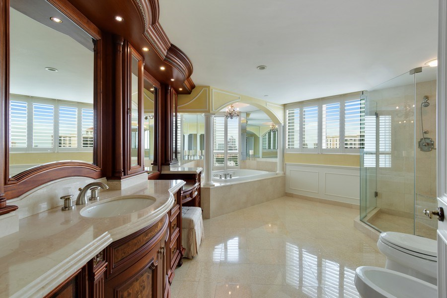 Real Estate Photography - 20155 NE 38th Court, #1401, Aventura, FL, 33180 - Master Bathroom
