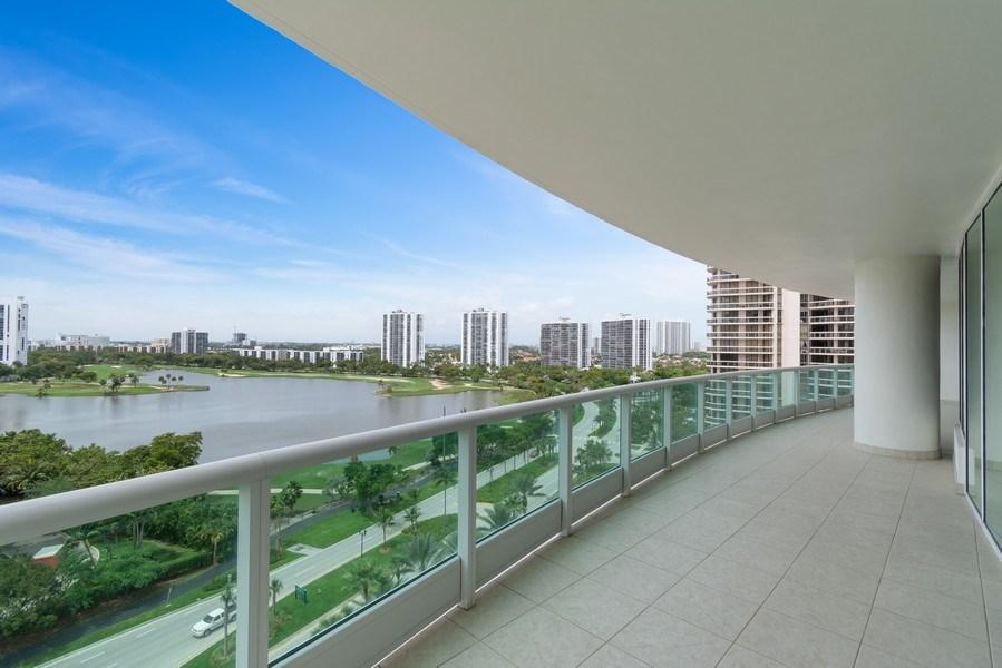 Real Estate Photography - 20155 NE 38th Court, #1401, Aventura, FL, 33180 - View