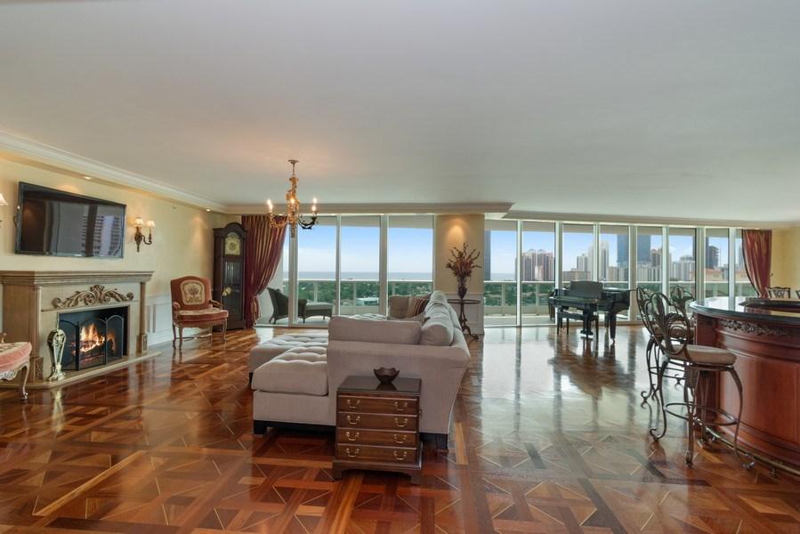 Real Estate Photography - 20155 NE 38th Court, #1401, Aventura, FL, 33180 - Living Room/Dining Room
