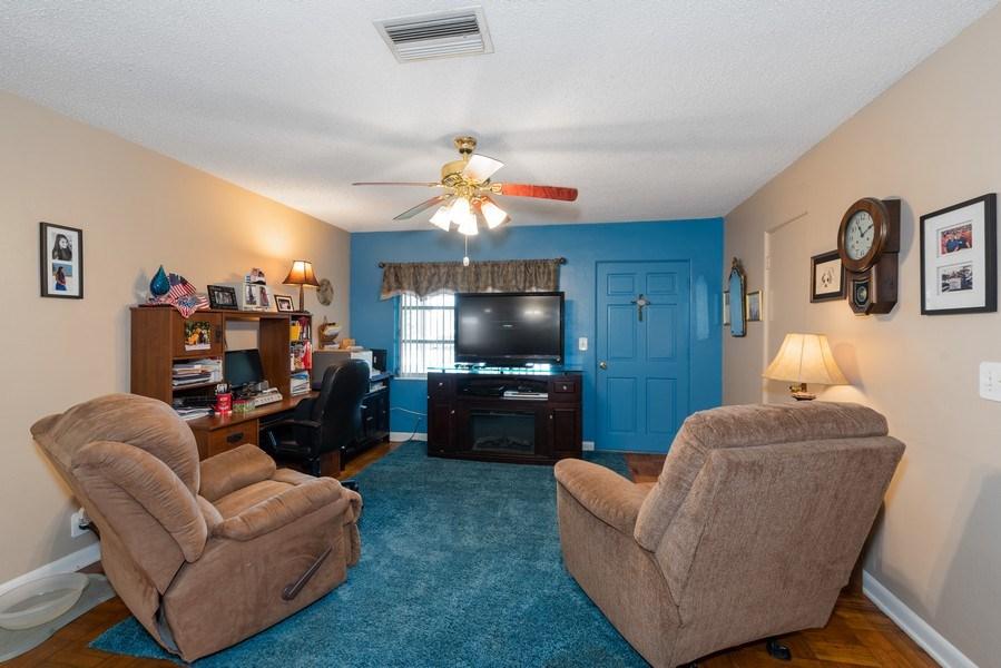 Real Estate Photography - 6022 Linneal Beach Dr., Apopka, FL, 32703 - Living Room