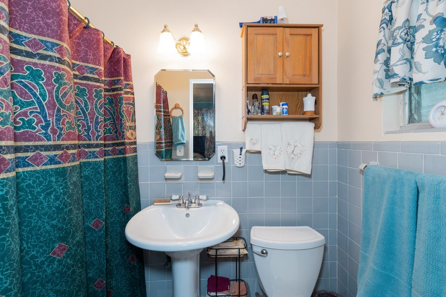 Real Estate Photography - 6022 Linneal Beach Dr., Apopka, FL, 32703 - Master Bathroom