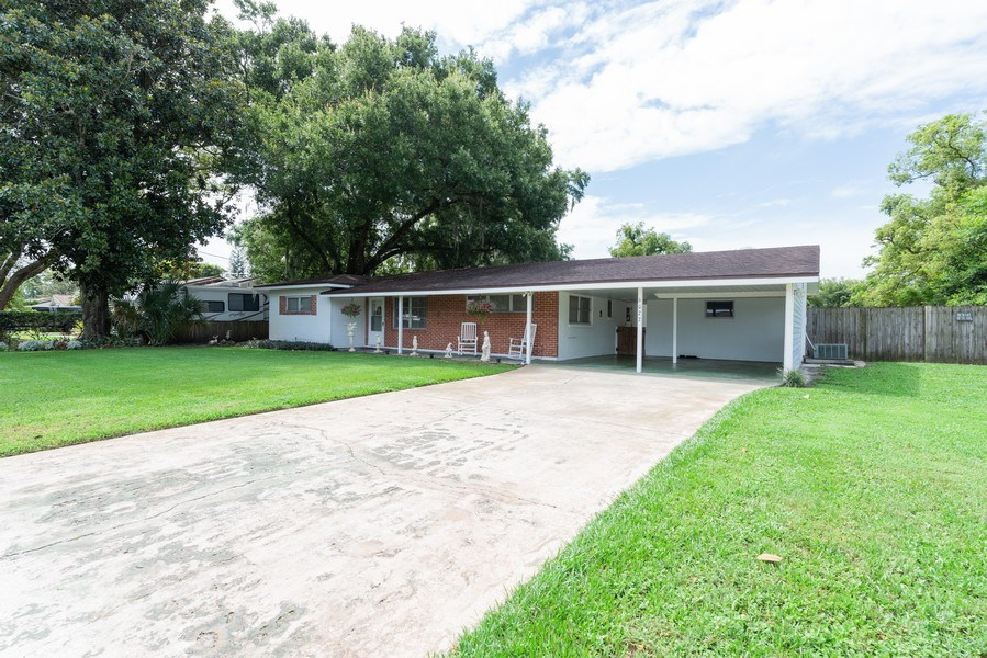 Real Estate Photography - 6022 Linneal Beach Dr., Apopka, FL, 32703 - Front View